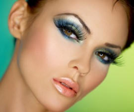dense eyelashes